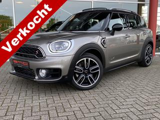 Mini COUNTRYMAN 2.0 Cooper S ALL4 Chili Medio volgende week verwacht:  Mini Countryman Cooper S all 4 automaat uit 11e maand 2017 in Melting-silver. Wordt