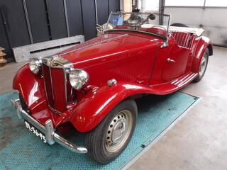 MG Td 1952 red