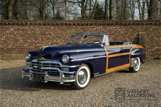 Chrysler Town COUNTRY 2-door convertible, very rare, factory Woody