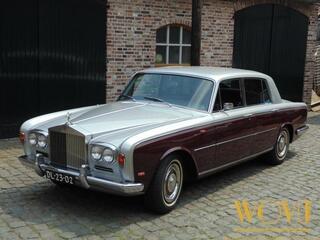 Rolls-Royce Silver SHADOW sedan