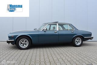 Daimler Double SIX 5.3 V12 1981 Blauw   Origineel NL   Wegenbelastingvrij   Zr. Mooi