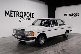 Mercedes-Benz 230 W123