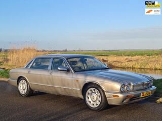 Daimler 4.0 4.0 V8
