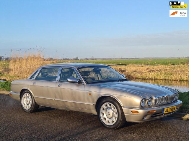 Daimler 4.0 V8 automaat verlengde uitvoering