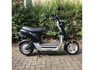 SYM Symmetry opknapper Elektrische scooter